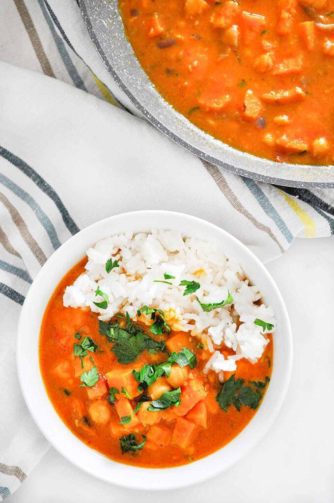 curry-z-batata-i-ciecierzycy